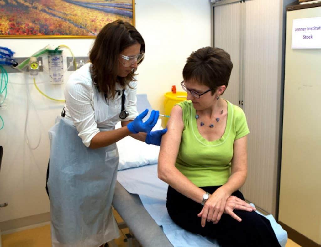 Getty / Imagen de referencia de inoculación de una vacuna.