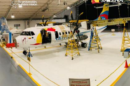 Avión de la aerolínea Satena, que recibirá 40.000 millones de pesos por parte del Gobierno Nacional.