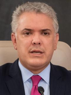 Nueva pulla de Iván Duque contra Juan Manuel Santos por interceder por Cuba ante Joe Biden y pedir que la saquen como país patrocinador del terrorismo.
