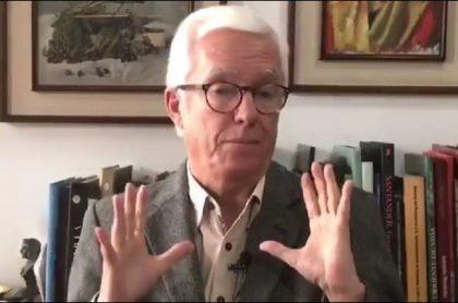 Jorge Robledo, senador de la República, cuestionó el uso de plataformas como Uber