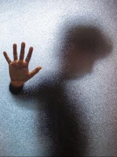 Imagen ilustra nota sobre niño de 11 años que fue acusado de matoneo en el colegio y murió en Francia luego de lanzarse de un edificio.