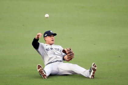 Giovanny Urshela, beisbolista de los Yankees de Nueva York, que fue operado en el codo derecho y estará sin jugar al menos 3 meses en la MLB.