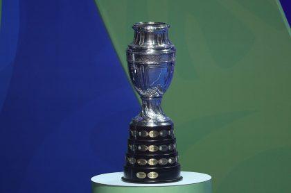 Trofeo de la Copa América , que estaría en riesgo por fallo que exige PCR a viajeros.