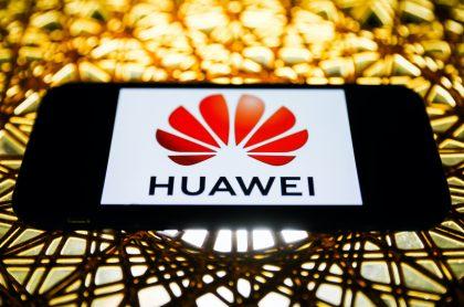 Logotipo de Huawei para ilustrar nota sobre qué es y cómo actualizar EMUI