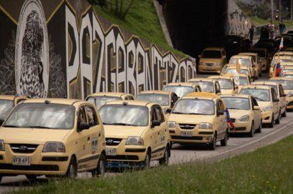 Taxis en Bogotá, durante una jornada de protesta en la capital.