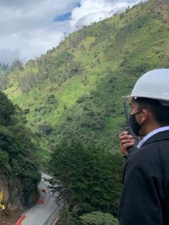 El derrumbe de la semana pasada en la vía Calarcá-Cajamarca ha trastornado el tránsito entre el centro y el occidente del país.