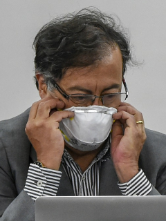 Gustavo Petro, que volvió a compartir una 'fake news'