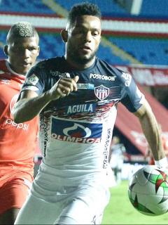 Investigación al fútbol colombiano por fallas en pruebas de COVID. Imagen del partido en el que falló el protocolo.