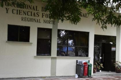 Medicina legal en Soledad, a donde trasladaron el cuerpo de un hombre que fue asesinado por un joven de 15 años porque no le quiso dar un trago de ron a él