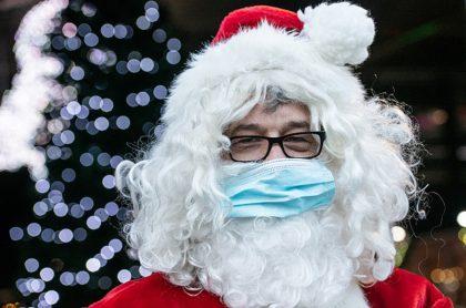 Papá Noel con tapabocas (imagen de referencia).