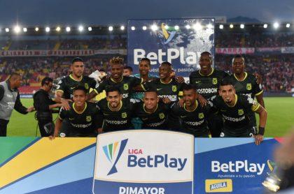 Plantilla de Atlético Nacional ilustra nota sobre los refuerzos y salidas del equipo en 2021