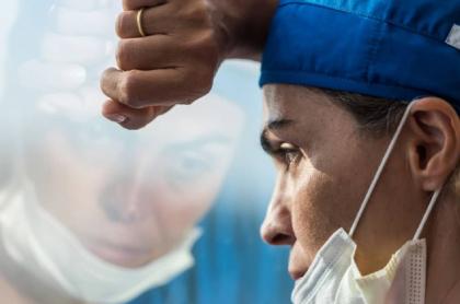 Imagen de una enfermera, que resume caso del personal de salud al que le deben 4 meses de salario y la prima en hospital San Francisco de Asís en Chocó