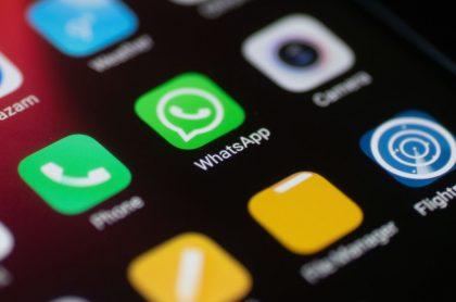 WhatsApp logo ilustra nota sobre cómo cambiar el color del ícono