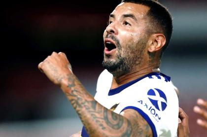 """""""Qué hp, qué golazo hizo"""": Mollo por golazo de Edwin Cardona con Boca a Independiente. Celebración del colombiano."""