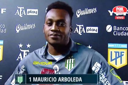 Iván Mauricio Arboleda, figura de Banfield, pide disculpas a su mujer en TV argentina.
