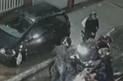 Hombre evitó que ladrones le robaran moto en Bogotá.