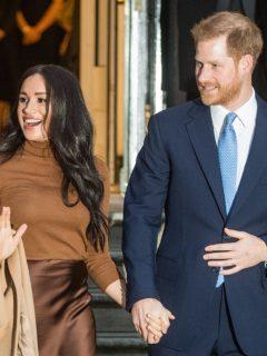 El príncipe Harry y su esposa Meghan Markle ilustran nota sobre el príncipe Harry y una vida alejado de la familia real