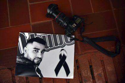 Fotos: periodistas exigen justicia por asesinato de colega en Cali