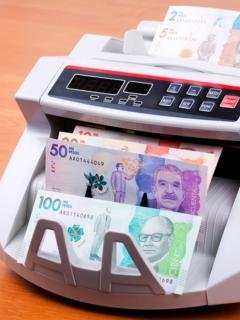 Según el ministro de Trabajo, Ángel Custodio Cabrera, el salario mínimo será superior al millón de pesos.