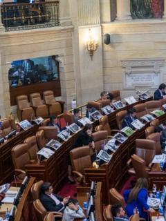 En 5,12 % aumentó el Gobierno el salario de los congresistas colombianos para 2021.