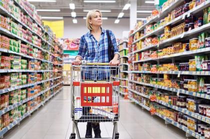 Imagen ilustrativa de compras que se pueden hacer un nuevo salario mínimo en Colombia 2021.
