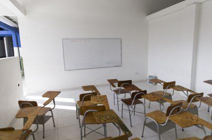 Salón de colegio ilustra nota sobre fecha en la que regresarán las clases presenciales en colegios públicos de Bogotá