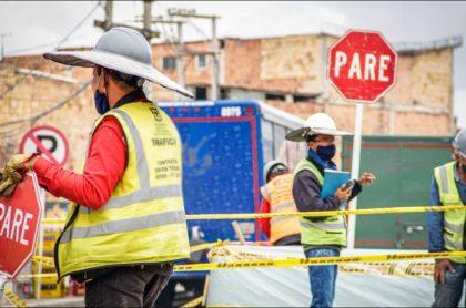Imagen que ilustra información sobre obras para cambiar la ciclorruta en la calle 13, a la salida de Bogotá