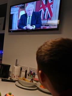Inglaterra entra a cuarentena total por crecimiento de contagios