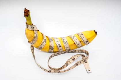 """Imagen de un plátano envuelto en un metro ilustra artículo Personaje infantil con """"pene más grande"""" agita Dinamarca"""