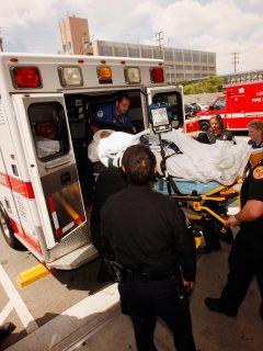 Ambulancias no llevarán pacientes con pocas chances de sobrevivir en Los Ángeles.