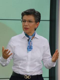 Reclamos a Claudia López por las pocas UCI en Bogotá