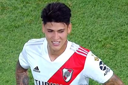 Críticas a Jorge Carrascal por roja con River Plate en Copa Libertadores.