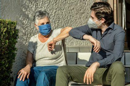 Hijo infectó a su madre con COVID-19, en México.