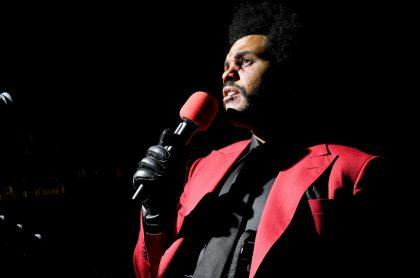 Foto de 'The Weeknd ilustra nota sobre su sorprendente transformación en el rostro desata ola de memes
