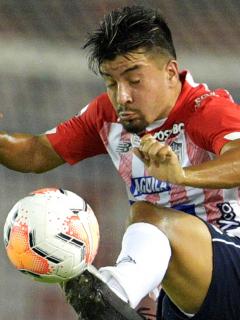 Sherman Cárdenas, nuevo jugador de Santa Fe; procede de Junior. Imagen de referencia del volante en el cuadro 'tiburón'.