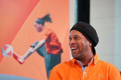 Foto de Ronaldinho ilustra nota sobre sus ganancias después de estar en prisión; en qué invirtió