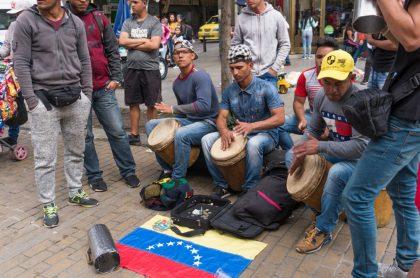 Venezolanos en Colombia , apropósito de la masiva migración.