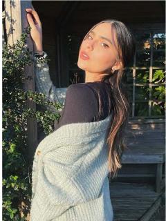 """Juana Valentina Restrepo, hermana de James Rodríguez, quien le respondió a seguidor que la llamó """"pantallera"""", en fotos publicadas en su cuenta de Instagram."""