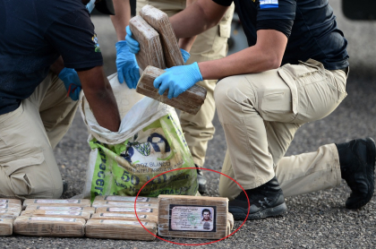 Decomiso de cocaína marcada con supuesta cédula de Pablo Escobar, en Honduras