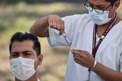 Foto ilustrativa de la vacuna contra COVID-19 que aún no tiene fecha de llegada a Colombia.