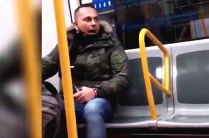 El hombre que agredió verbalmente a la mujer latina es un español de 43 años.