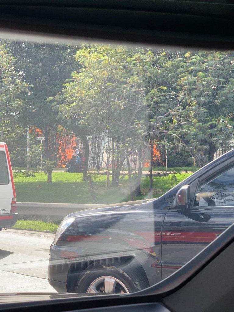 Imágenes del incendio en el norte de Bogotá. / Suministradas a Pulzo.