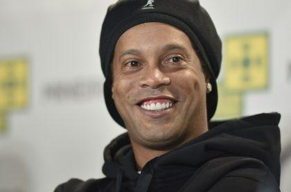 Ronaldinho, quien grabó video musical rodeado de mujeres en bikini y en plena fiesta