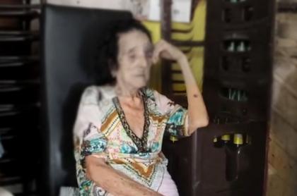 Imagen de la abuela que fue golpeada por su nieto en Santa Marta