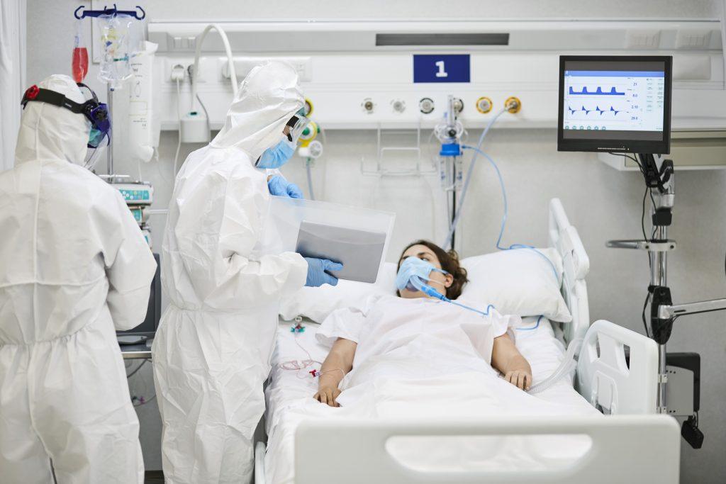 Así debe lucir una cama UCI para la atención de pacientes. Imagen ilustrativa de Getty.