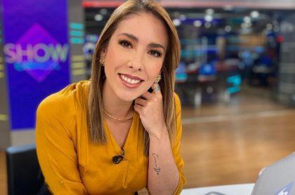 Juanita Gómez en Noticias Caracol, ilustra nota de video de ella sin maquillaje.