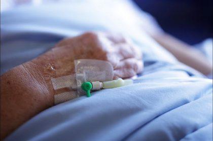Imagen de un paciente  que ilustra nota sobre un hombre que superó cáncer gracias a contraer el COVID-19.