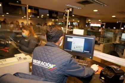 Extranjeros contagiados que llegaron a Bogotá serán devueltos a su país