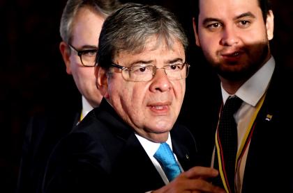 Carlos Holmes Trujillo, ministro de Defensa internado por COVID-19, del que sus familiares dieron parte de salud