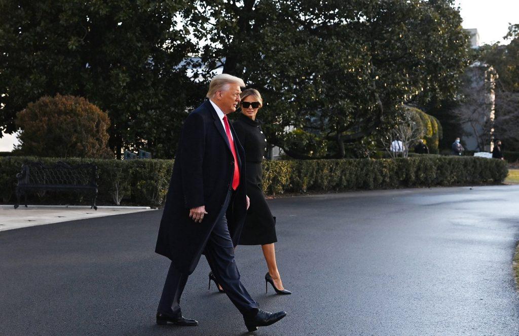 Donald Trump y Melania Trump dejando la Casa Blanca de Estados Unidos / AFP